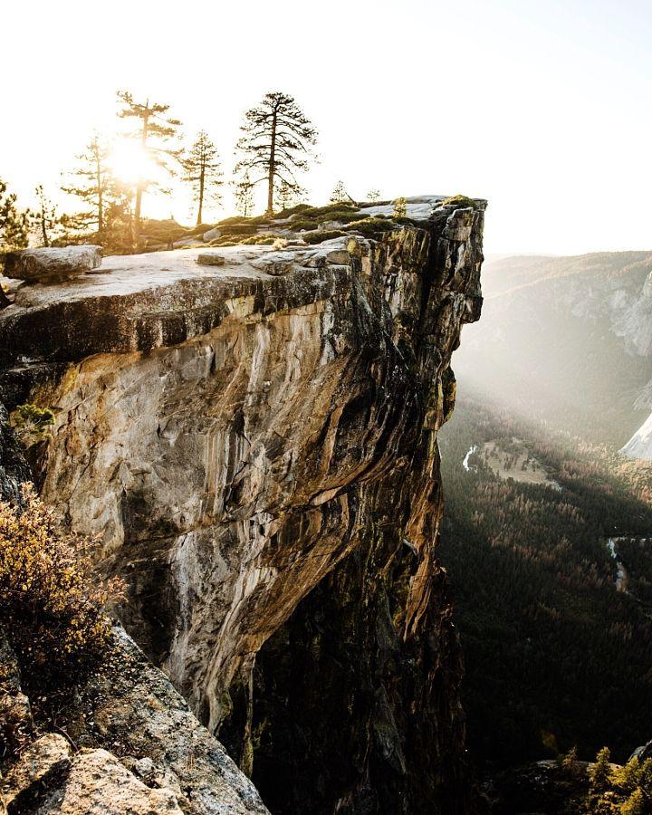 Taft Point sunset (Yosemite, California) by Tanner Wendell Stewart  / 500px