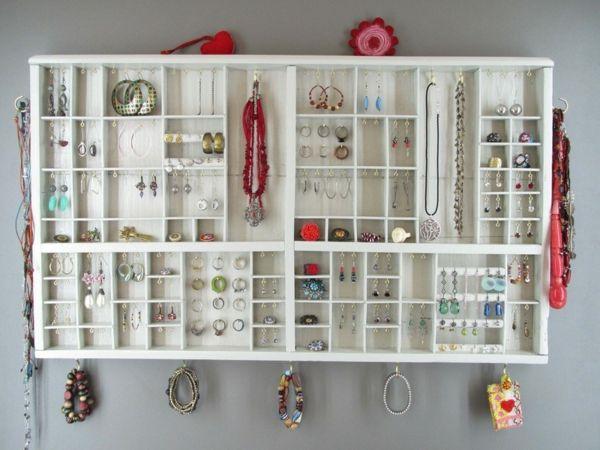 Les 25 meilleures id es de la cat gorie coffre a bijoux sur pinterest porte du coffre porte - Comment ranger ses colliers ...