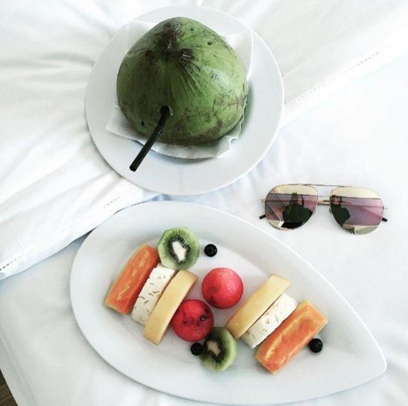 Frutas SPLIT, quem aceita?  #diorsplit #oticaswanny #bomdia #goodmorning #sunglasses #terça