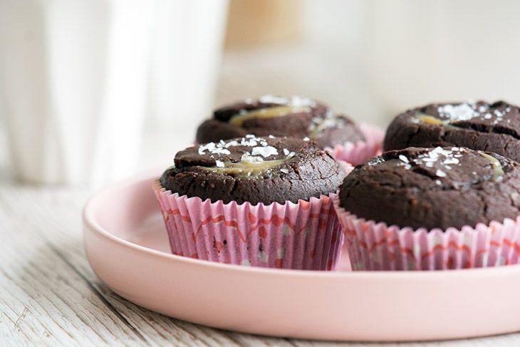 Her får du opskriften på de skønneste chokolade muffins med saltkaramel - en cupcake med karamel som er helt uimodståelig