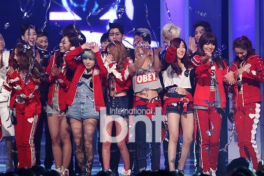 On January 24th, M countdown was held at CJ E Center in Sang Am, Seoul.    On this day, Girls Generation, Infinite H, Nine Muses, Moon Hee jun,n BOYFRIEND, ZE:A, and  DICKPUNKS performed on the stage.    Meanwhile, Girls Generation took the top places.