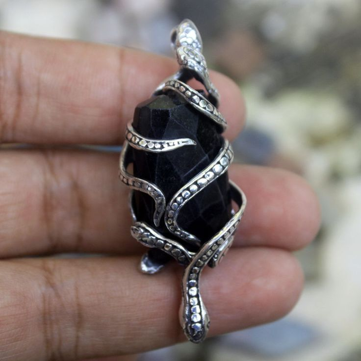 925 Sterling Silver Bali Handmade Snake on Black Onyx 55mm Pendant Necklace PS32