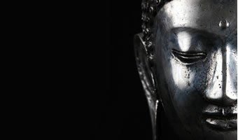 Um rochedo não é abalado pelo vento; a mente de um sábio não é perturbada pela honra ou pelo abuso.