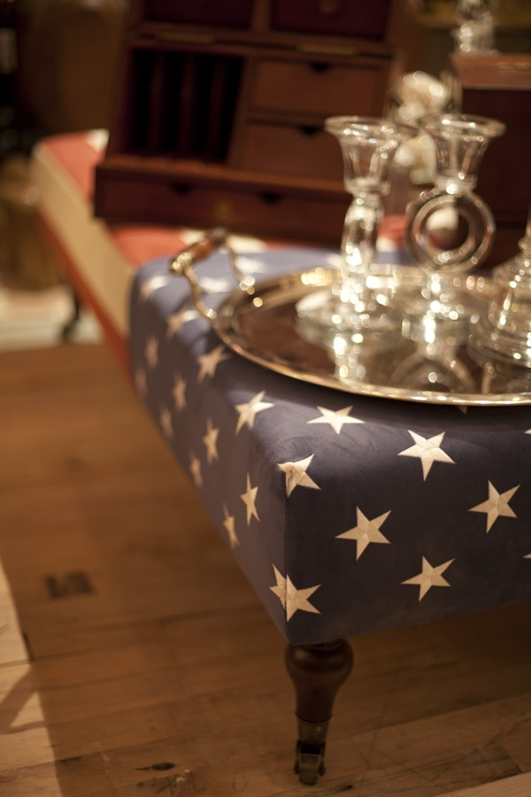 A Cool Upholstered Coffee Table Idea To Showcase Your Patriotism! #america  | Houston TX