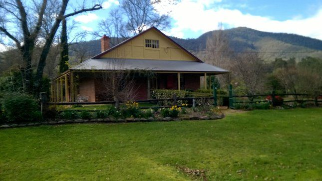 Blair Homestead, high-country, a Bright House | Stayz