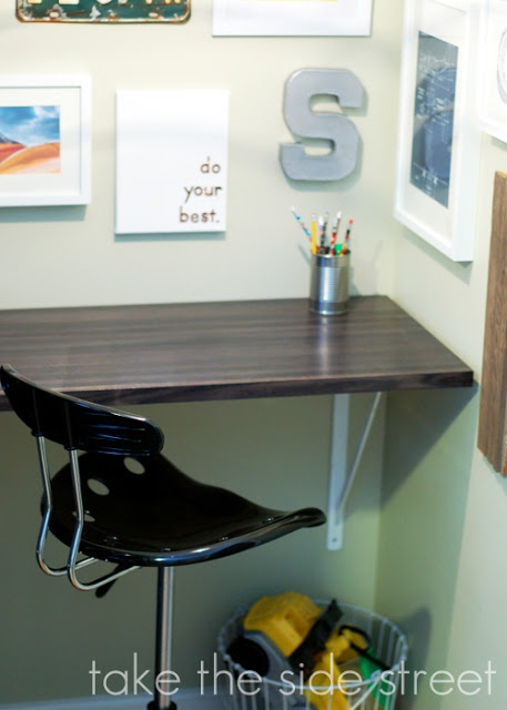 Take the Side Street: boys room. love the desk attached to the wall with brackets
