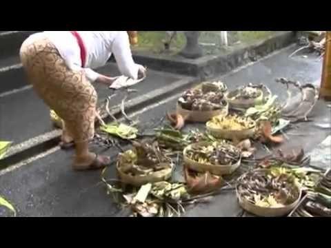 Royal Cremation Pelebon Peliatan Bali 2010  - Preparation