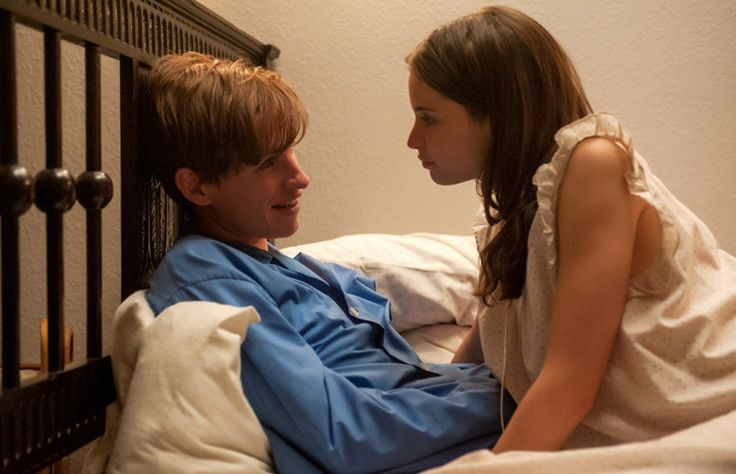Watch: Eddie Redmayne Channels Stephen Hawking in the First Trailer for Oscar Contender 'The Theory of Everything'