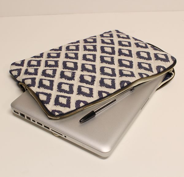 Tutoriel couture : housse d'ordinateur portable #protection #housse #ordinateur #portable #couture #sewing #tissu #fabrics #jacquard #ethnique #tuto #tutoriel #diy #doityourself