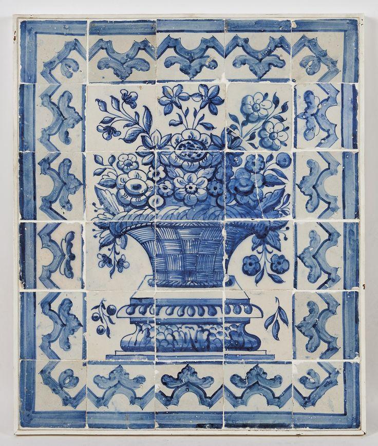 Albarrada,   painel de trinta azulejos decoração a azul.  Origem português    séc. XVIII