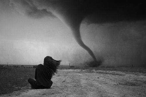 Lost in the storm - Riley Eva