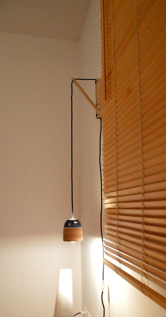 lampe de chevet suspendue sur querre en bois h pour. Black Bedroom Furniture Sets. Home Design Ideas