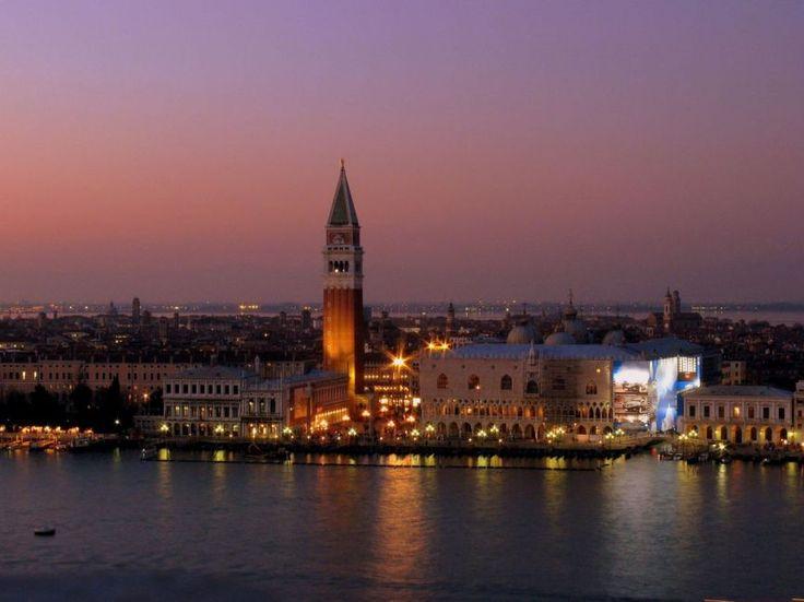 #Sunset over #Venice, #Italy | Picfari.com