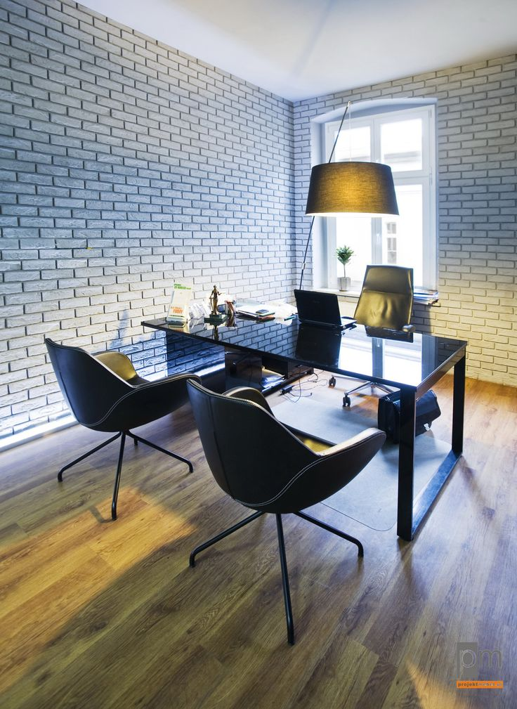 Gabinet Concept, blat szkło lacobel, stelaż czarny, fotele format.