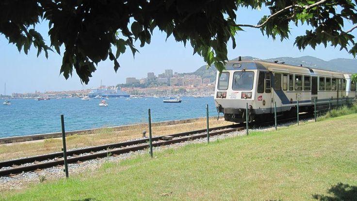 UN BILLET DE TRAIN POUR... La Corse
