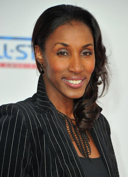 Lisa Leslie | Lisa Leslie WNBA player Lisa Leslie arrives to the T-Mobile Magenta ...