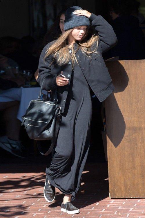 sofia richie in all black