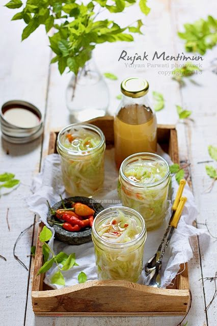 Rujak Mentimun-Indonesian fresh sweet spicy cucumber shredded drink
