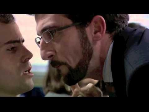 """Genial escena de la película """"El año de la Garrapata (2004)"""" como parodia de técnicas de motivación para equipos comerciales,  Ejemplo en tono de humor que además se expone en las escuelas de negocio en áreas de Comportamiento Organizacional y motivación dentro de la empresa."""