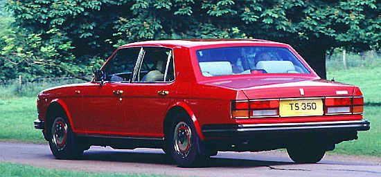 Rolls-Royce Silver Spirit III. Careful inspection was necessary to quote an additional brake light positioned at the rearlight's base as distinguishing the Silver Spirit III from its predecessor