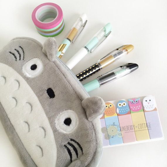 This listing is for ONE Totoro pencil bag. DIMENSIONS: 9cm x 19cm  Use this zippered pouch to store your writing utensils, crafting tools,