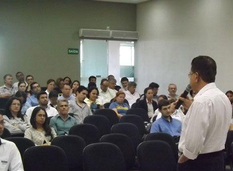http://www.passosmgonline.com/index.php/2014-01-22-23-07-47/geral/1328-sistema-de-emissao-de-nota-fiscal-muda-nesta-terca