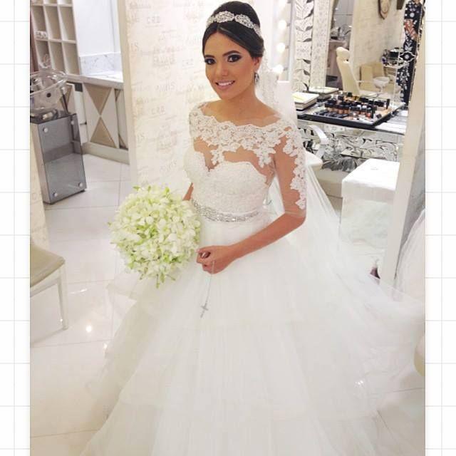VN386 – Vestido de Noiva Princesa com Lindo Decote de Renda em Coração Aplicado sobre Tule