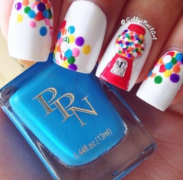 Bubble gum nails