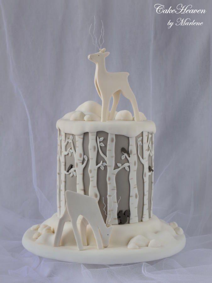 Reindeer Christmas Cake by Marlene - CakeHeaven