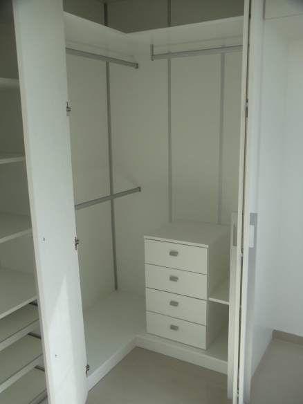 Interior armário de canto em L
