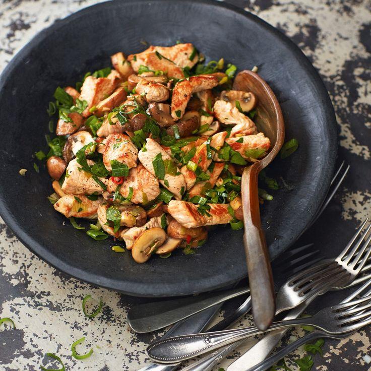 Sie können gar nicht genug von feinen Pilzen bekommen? Dann probieren Sie unbedingt unseren raffinierten Pilzsalat.
