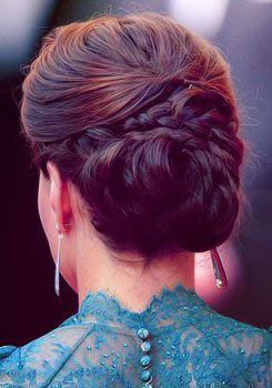 love this dress and LOVE this hair :)
