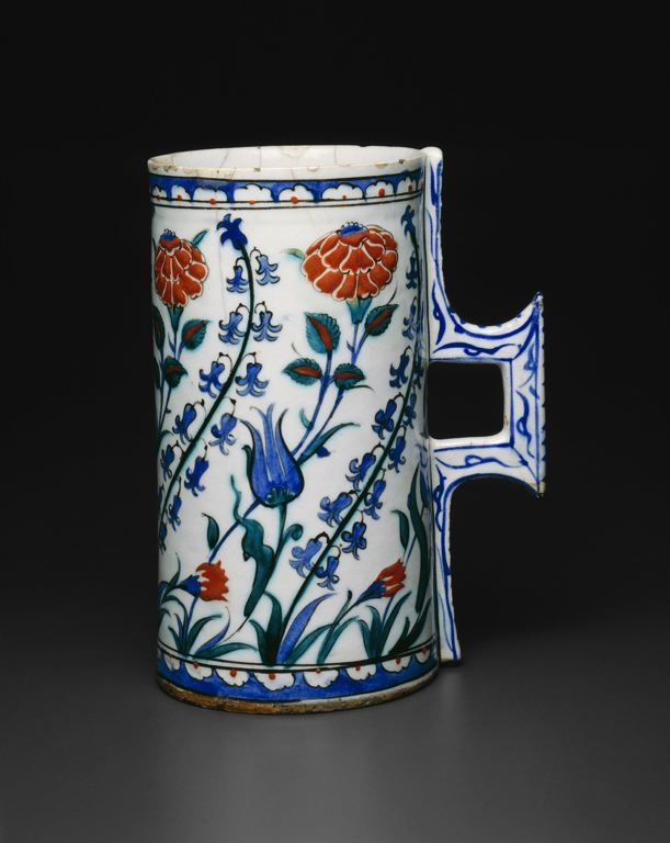 Iznik tankard (hanap) late 16th C • with tulips, hyacinths, roses, and carnations