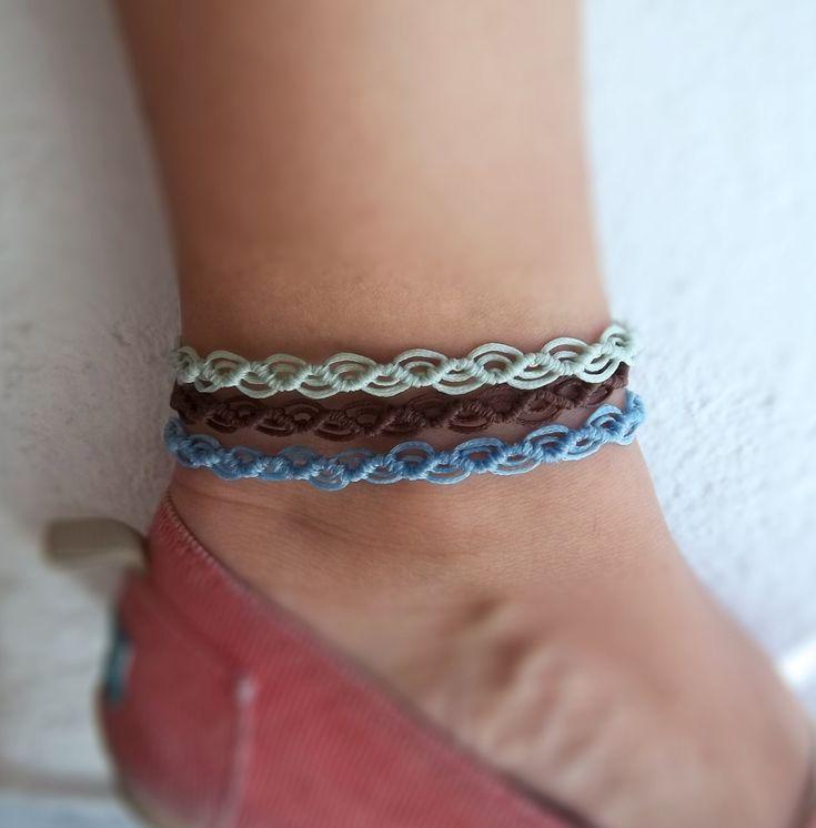 Anklet macrame bracelet wavy in blue, light green or brown| Makrame jewelry for foot| gift for her |summer beach trend | egst by KnotknotBijoux on Etsy