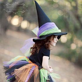 Déguisement sorciere j'aime le tulle sur le chapeau