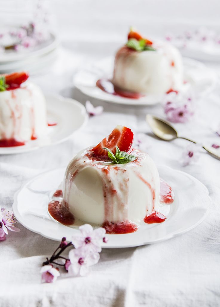 panna cotta with strawberry mousse ♥