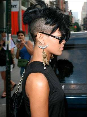 Rihanna Shaves Sides of Head and Rocks the Results #Rihanna #Celebrity