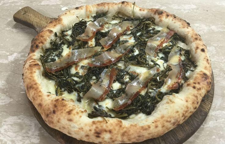 """La pizza del sabato? La """"Plebea"""" di Mammamia a Cassino http://www.ditestaedigola.com/la-pizza-del-sabato-la-plebea-di-mammamia-a-cassino/"""