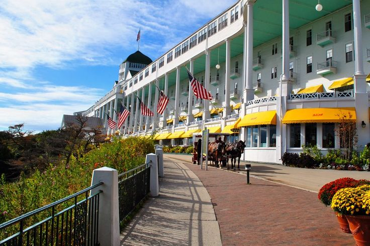 Visa Cuts Cause Labor Shortages in Some U.S. Tourist Spots  The horse taxis line up at Mackinac Island's Grand Hotel in Michigan. The island resort has faced a worker shortage in summer 2017. Michael Patterson / Flickr  Skift Take: The U.S. limited visas for many returning and new foreign workers. That has pressured tourism businesses seeking workers in the peak summer season. Expect industry lobbying.   Sean O'Neill  Some business owners in the tourist industry of Mackinaw City and Mackinac…