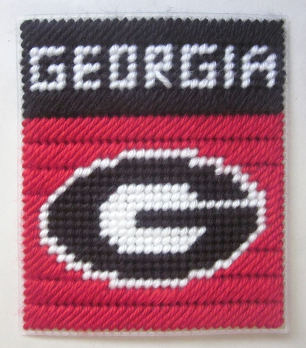 Georgia Bulldogs tissue box cover in plastic canvas PATTERN ONLY.