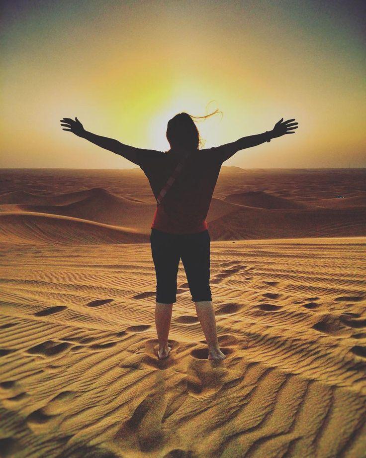 Make each day count ... Ať každej den stojí zato  #desert #safari #trip #instatravel #dayoff in #love with #dubai and #happy ... #crewfie #gulfair #crew #gcc #bahrain #crewlife #travel it's my #life #czechgirl by dara_z_rise_divu