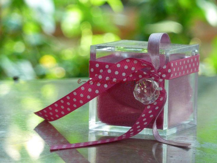 #ΒΑΠΤΙΣΗ ⁞ Μπομπονιέρα.. κουτάκι plexiglass με ροζ και πουά λεπτομέρειες!