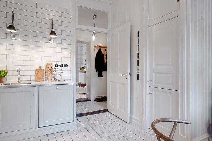 #white_kitchen Alvhem Mäkleri och Interiör | För oss är det en livsstil att hitta hem.