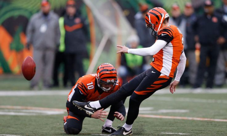 Giants sign veteran kicker Mike Nugent = With all three players who attempted a field goal during the 2016 season no longer on the roster, the New York Giants began training camp with Aldrick Rosas as the lone placekicker on their roster. That changed Tuesday morning, as.....
