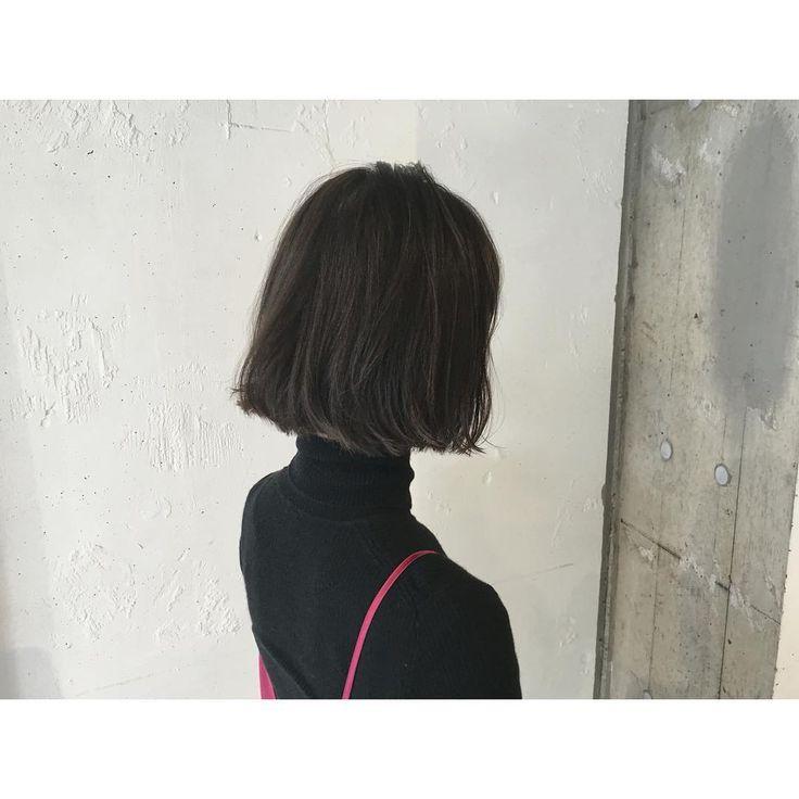 """この画像は「媚びすぎない黒髪誕生。透明感たっぷり""""コバルトアッシュ""""がネオモテカラーと話題に♡」のまとめの10枚目の画像です。"""