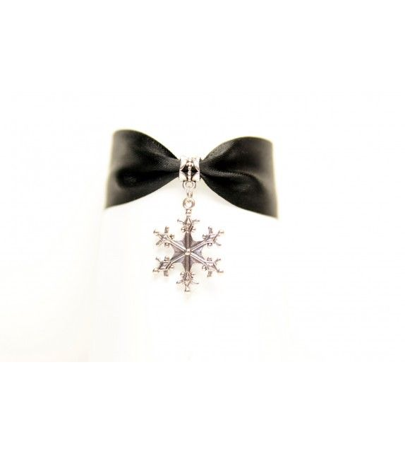 Snowflake Choker. available at www.aconite.at