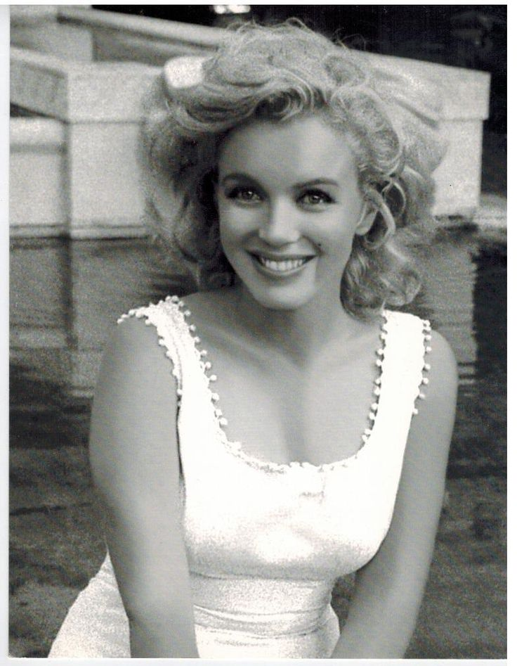 Marilyn Monroe Smile II Vintage 5X7 BW Movie Memorabilia Photo