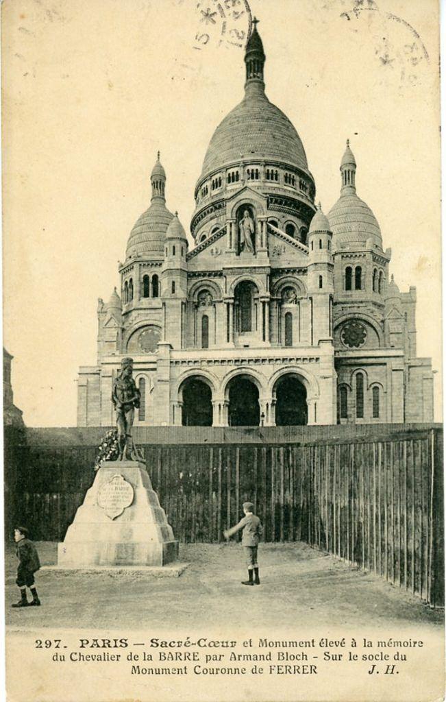 Montmartre, le Sacré Cœur et la statue du Chevalier de la Barre