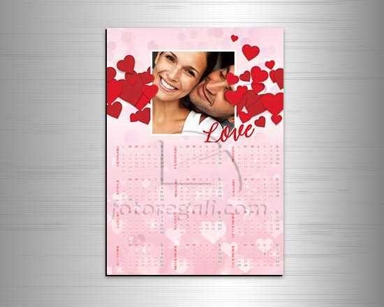 Calendario magnetico con cuori rossi