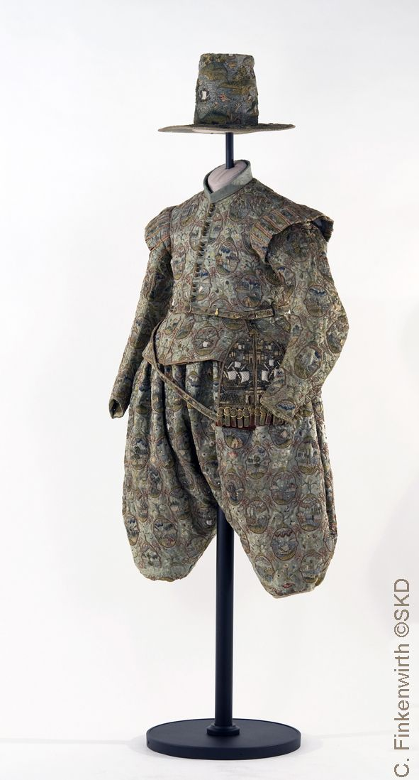 Pfannenmann steht für die Werkstätten Ackermann & Pfannenberg Dresden - Figurinen Referenzen Galerie
